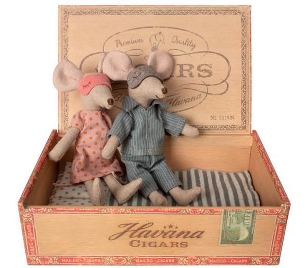 Maileg Mäuse Mom+Dad in Zigarrenkiste