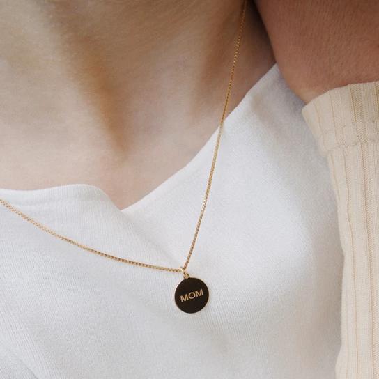 MOM Necklace in GOLD von Jukserei