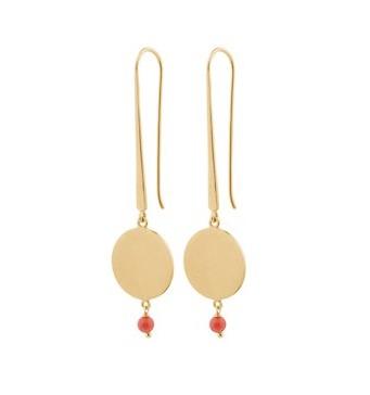 lange Ohrringe mit goldenem Plättchen und korallfarbener Kugel Pernille Corydon