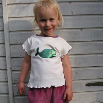 Kurz und Klein-Berlin T-Shirt mit dem Fisch